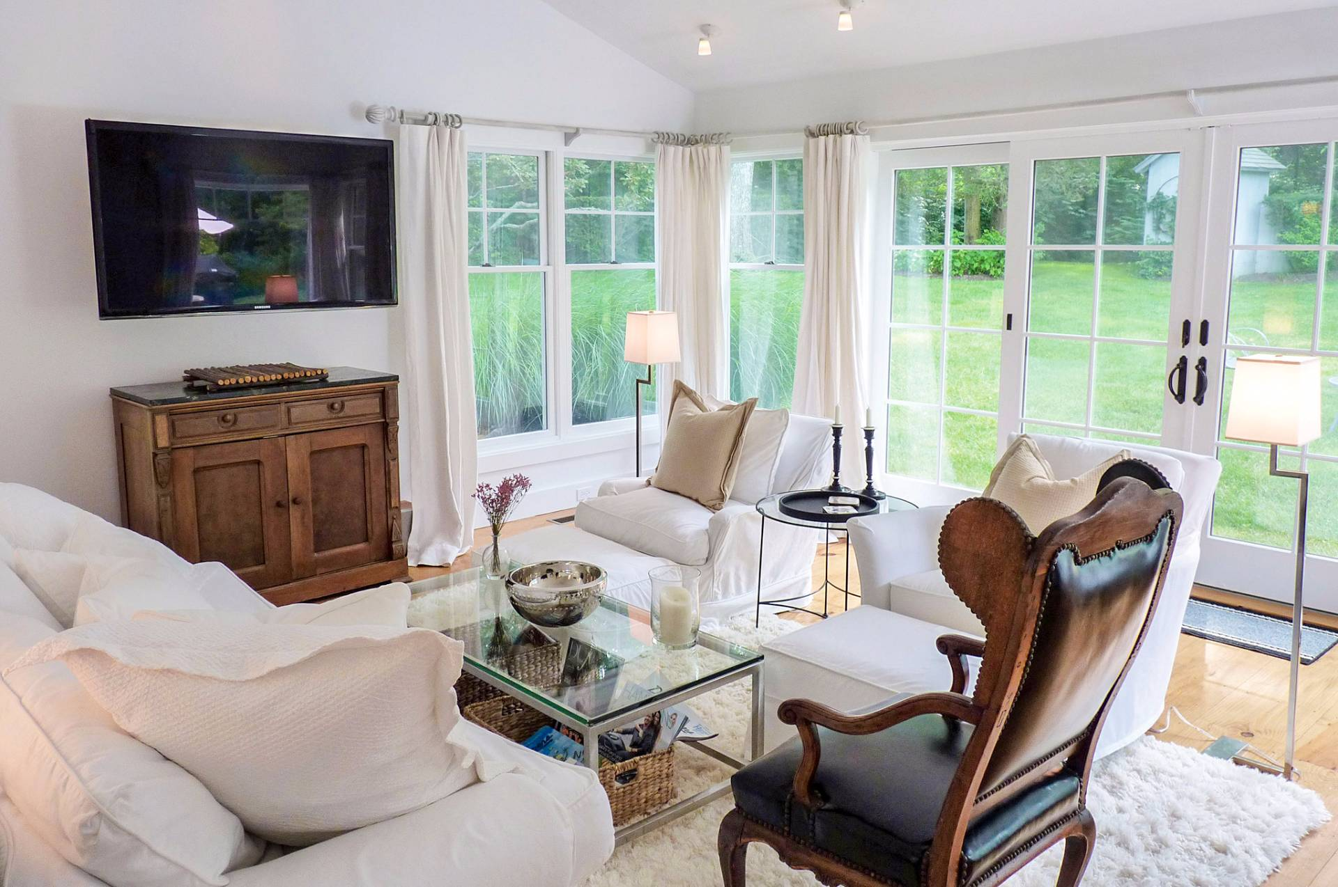 Additional photo for property listing at A Home Compound Near The Ocean And Farmlands Of Wainscott  Wainscott, New York